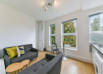 3 bed flat to rent in Holloway Road, London N7