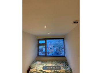 Thumbnail Room to rent in Elm Park Road, Reading