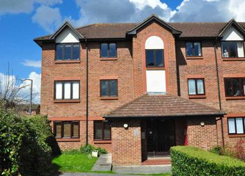 Thumbnail 1 bed property to rent in Littlebrook Avenue, Burnham, Slough