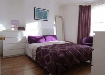 Thumbnail 3 bedroom maisonette to rent in Ling Road, London