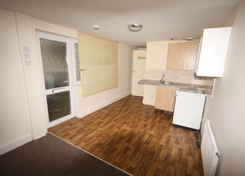 Thumbnail 1 bedroom flat to rent in Old Mill Road, Torquay