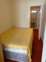 1 bed flat to rent in Harlington Road, Feltham TW14