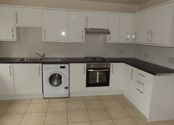 3 bed flat for sale in Turkey Street