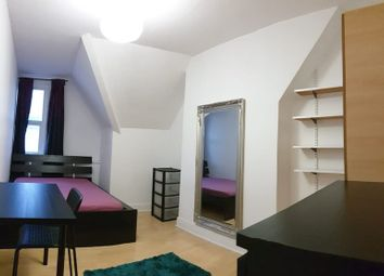Thumbnail Room to rent in Rushey Gheen, London