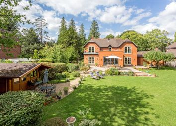 The Avenue, South Nutfield, Redhill, Surrey RH1. 4 bed detached house