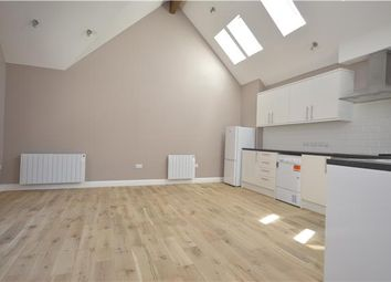 Thumbnail 1 bedroom flat to rent in Oakmead Road, Balham