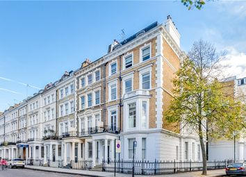 Thumbnail 1 bed flat to rent in Collingham Place, South Kensington, London