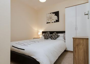 Thumbnail 1 bed flat to rent in Waterfield Close, London