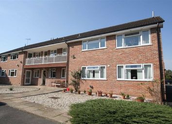 2 bed flat to rent in Boundary Road, Newbury RG14