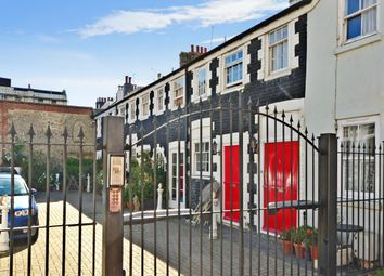 2 bed mews house to rent in St. Johns Mews, Bristol Road, Brighton BN2