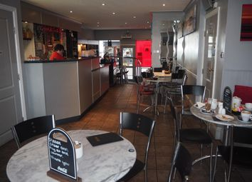 Thumbnail Restaurant/cafe for sale in Cafe & Sandwich Bars YO11, North Yorkshire