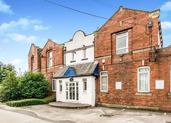 Thumbnail 2 bed flat to rent in North Lingwell Road, Leeds