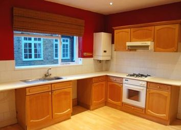 3 bed property to rent in Kenyon Street, Fulham, London SW6