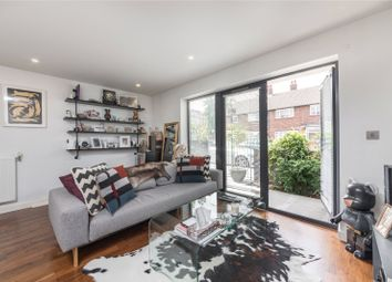 Thumbnail 1 bed flat for sale in Holly Street, London