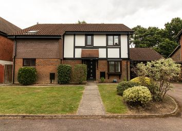 Thumbnail 4 bed detached house to rent in Heritage Lawn, Horley