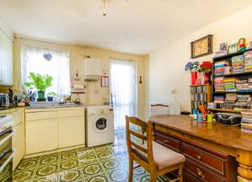 Thumbnail 4 bedroom property for sale in Kemps Drive, Canary Wharf