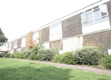 Thumbnail 1 bed flat to rent in Parkwood Drive, Hemel Hempstead