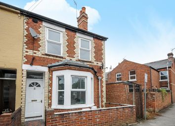 Thumbnail 1 bedroom flat for sale in West Reading, Berkshire