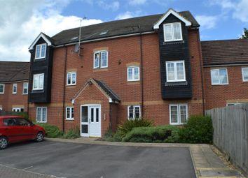 Thumbnail 2 bed flat for sale in Kestrels Mead, Tadley
