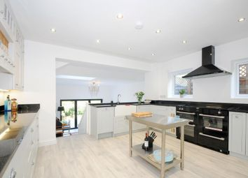 Thumbnail 3 bedroom cottage for sale in Sunninghill, Berkshire