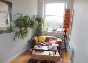 Thumbnail 1 bed property to rent in Chalk Farm Road, London