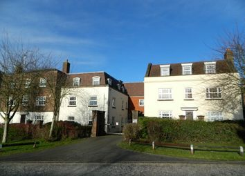 2 bed flat to rent in Worthing Road, Horsham RH12