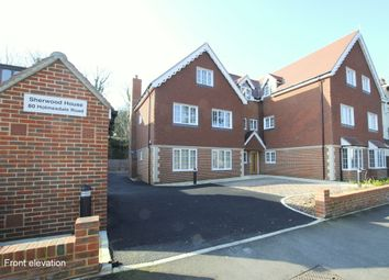 Thumbnail 1 bed flat to rent in Holmesdale Road, Reigate