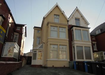 2 bed flat to rent in Derbe Road, Lytham St Anne's FY8