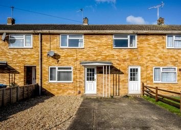Priory Crescent, Aylesbury, Buckinghamshire HP19. 3 bed terraced house for sale