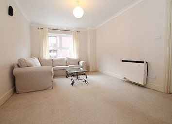 1 bed flat to rent in Burleigh Gardens, Woking GU21
