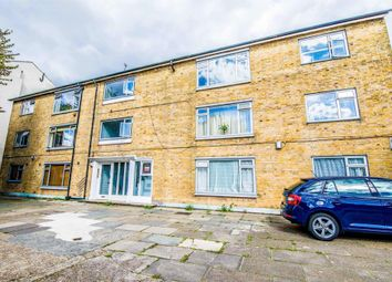 Thumbnail 4 bed flat to rent in Fairfield Road, London