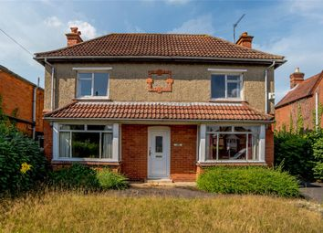Thumbnail 3 bed detached house for sale in Bath Road, Thatcham, Berkshire