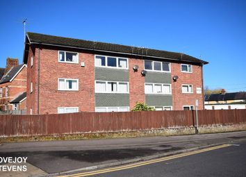 Thumbnail 2 bed flat for sale in Kennet Court, Newbury