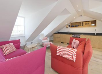 3 bed maisonette to rent in Lansdowne Crescent, London W11