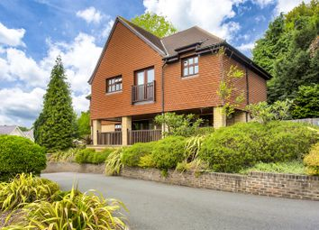 Thumbnail 2 bed flat for sale in Furze Hill, Kingswood, Tadworth