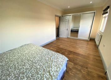 3 bed maisonette to rent in High Street, Barkingside IG6