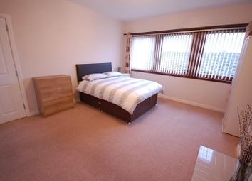 Thumbnail 4 bed flat to rent in Aboyne Place, Aberdeen