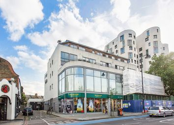 Thumbnail Flat to rent in Clement Avenue, London
