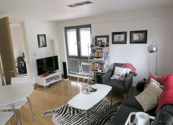 Thumbnail 1 bed flat to rent in Prebend Street, Angel