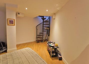 Thumbnail 2 bed flat for sale in Briar Close, Evesham