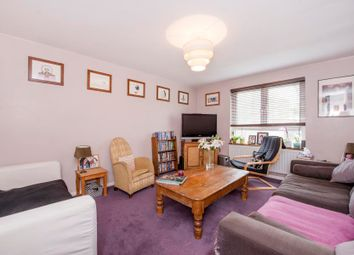 Thumbnail 4 bedroom town house for sale in Buckingham Close, London