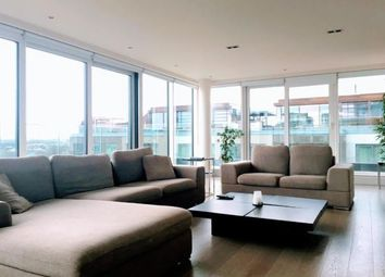 Thumbnail 3 bed flat to rent in Park Street, London