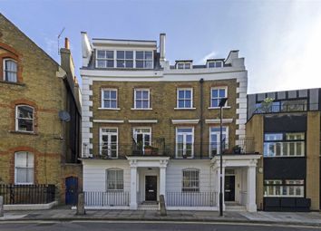 Thumbnail 2 bed flat for sale in Oakley Crescent, London
