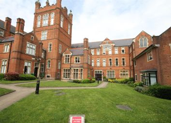 Thumbnail 2 bed flat for sale in King Edward Place, Bushey