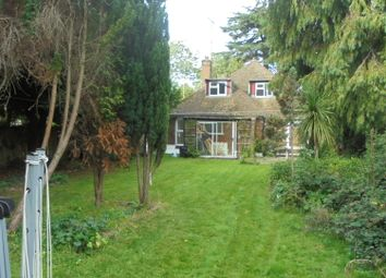 5 bed bungalow to rent in Stratford Road, Watford WD17