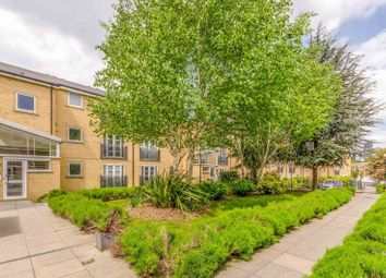 2 bed flat to rent in Langbourne Place, Isle Of Dogs, London E14