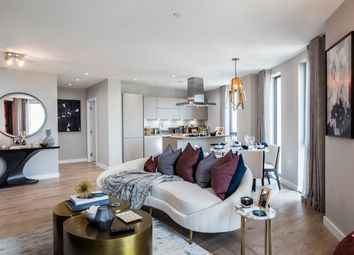Thumbnail 2 bedroom flat for sale in Manhattan Plaza, Canary Wharf