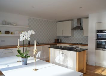 Thumbnail 5 bed town house to rent in Meadowbank, London