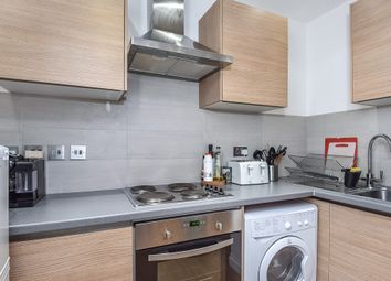 Thumbnail 4 bedroom flat to rent in Junction Road, London