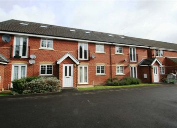 2 bed flat to rent in Windsor Court, Newbury RG14